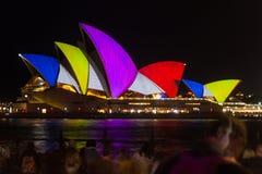 Sydney Opera House, durante il festival leggero vivo Fotografia Stock