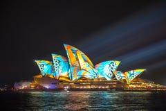 Sydney Opera House em Sydney vívido 2017 Foto de Stock