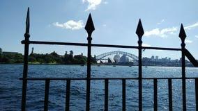 Sydney Opera House en Sydney Harbour Bridge Stock Afbeeldingen