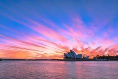 Sydney Opera House en la salida del sol en Sydney Australia Imágenes de archivo libres de regalías