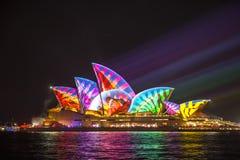 Sydney Opera House en Sydney viva 2017 Imágenes de archivo libres de regalías