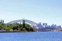 Sydney Opera House et le pont de port Photo stock
