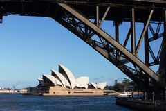 Sydney Opera House et pont de port Photo libre de droits