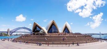 Sydney Opera House-Front stockbilder