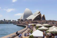 Sydney Opera House mit Opern-Stange Lizenzfreies Stockfoto