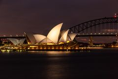 Sydney Opera House nachts, lizenzfreies stockfoto