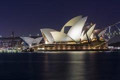 Sydney Opera House nachts Lizenzfreie Stockfotos