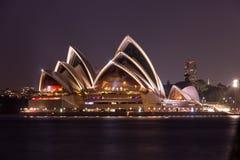 Sydney Opera House på natten, Royaltyfri Fotografi