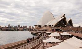 Sydney Opera House un jour nuageux Images stock