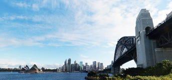 Sydney Opera House- und Hafenbrücke Lizenzfreie Stockfotos