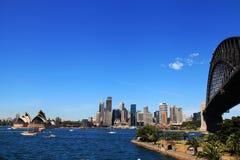Sydney Opera House y puente del puerto imagen de archivo libre de regalías