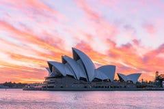 Sydney opera przy wschodem słońca w Sydney Australia Zdjęcia Royalty Free