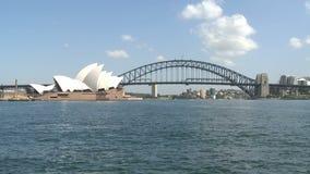 Sydney Opera und Hafen-Brücke stock footage