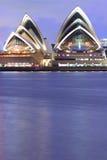 Sydney Opery nabrzeże przy półmrokiem Obrazy Royalty Free