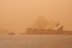 Sydney-September 2009: Dagen har stor sandstrom att täcka all Sy arkivbilder