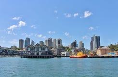 Sydney som ses från den Parramatta floden Arkivfoto