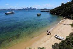 Sydney som ses från den Tarronga zoo Arkivbilder