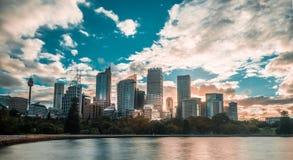 Sydney-Stadt im Sommermorgen Stockbilder