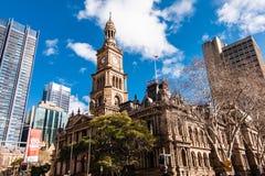 Sydney Town Hall op de zonnige dag stock fotografie