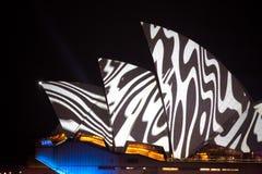 Sydney viva - modelos del remolino del teatro de la ópera Fotos de archivo libres de regalías