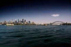 Sydney Waterfront och hamnbro arkivbilder