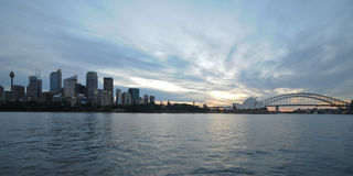Sydney zmierzchu mroczna piękna pokojowa sceneria przy Sydney schronieniem Obraz Royalty Free
