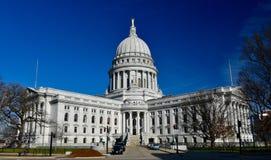 Sydostlig sikt av den Wisconsin Kapitolium royaltyfri bild