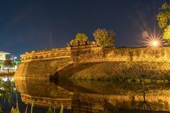 Sydostligt hörn av den östliga väggen av den gamla stadväggen royaltyfri bild