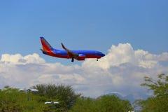 Sydvästlig Boeing 737 landning Arkivfoto