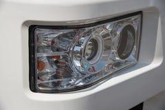 Sygnałowy headlamp ochraniający gretingiem od ciężkiej ciężarówki dla wewnątrz obraz royalty free