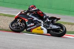 Sylvain Guintoli #50 sulla fabbrica 1000 di Aprilia RSV4 con Aprilia che corre Team Superbike WSBK immagini stock