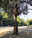 Sylvan Bros Vintage Clock delante de la joyería imágenes de archivo libres de regalías