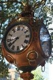 Sylvan Bros Vintage Clock vor dem Juweliergeschäft Lizenzfreie Stockbilder