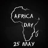 Sylwetka Afryka kontynentu mapy ręka rysujący kredowy nakreślenie na blackboard Wektorowa ilustracja dla Afryka dnia, 25th Obrazy Stock