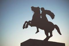 Sylwetka Aleksander Wielka statua przy zmierzchem thessaloniki Zdjęcie Stock