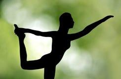Sylwetka foremny kobiety joga obrazy royalty free