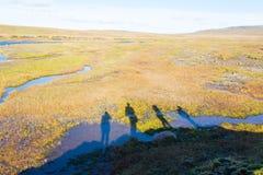 Sylwetka grupa ludzi na Glymur wędrówce na Iceland Zdjęcie Royalty Free
