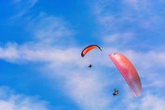 Sylwetka motorowy paraglider Fotografia Royalty Free