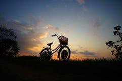 Sylwetka rower Zdjęcia Royalty Free