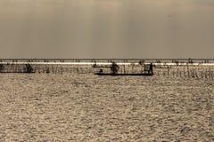 Sylwetka rybaka ` s sposób życia obraz royalty free