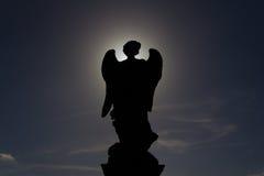 Sylwetka statua anioł na zewnątrz świętego Angelo Castel obrazy royalty free