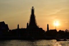 Sylwetka Wat Arun przy zmierzchem Obrazy Stock