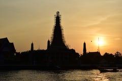 Sylwetka Wat Arun przy zmierzchem Fotografia Stock