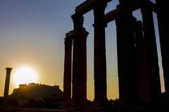Sylwetka widok świątynia Zeus, w Ateny, Grecja obraz stock