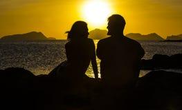 Sylwetki pary w miłości Zdjęcie Stock