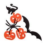 Sylwetki pomarańczowe banie czarny kot, nietoperz i pająk rzeźbiący z czerń papieru, odizolowywają na bielu Zdjęcia Royalty Free
