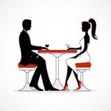 Sylwetki romantyczna para w miłości spotykać Fotografia Royalty Free