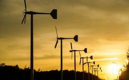 sylwetki turbina wiatr Fotografia Royalty Free