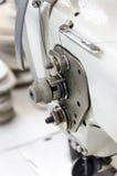 Symaskin för att sy skor arkivbild