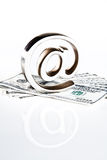 Am Symbol auf Geld Stockbild